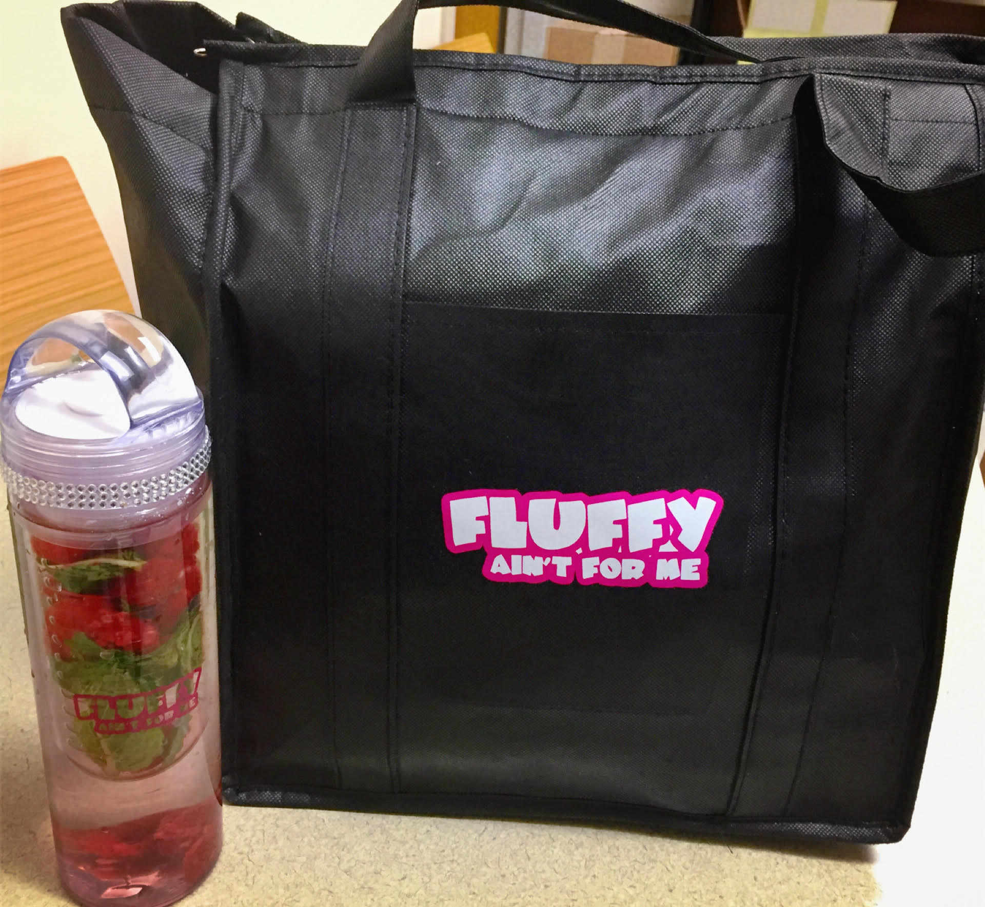 Meal Prep Bag and Fruit Infuser Water Bottle